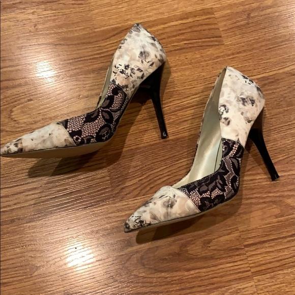 Karen Millen Shoes - Karen Millen Court Shoe Beige / Tan / Black